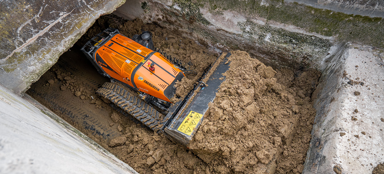 robo - roboevo - benna - bucket - lavori da cantiere - energreen macchine professionali